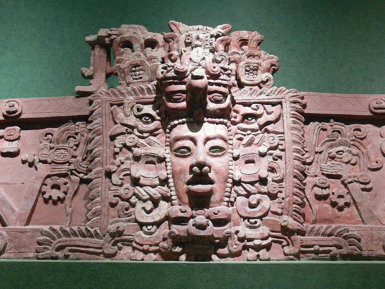 1280px-Maya-Maske