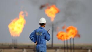 في حقل الناصرية النفطي تشرين الأول/أكتوبر 2015