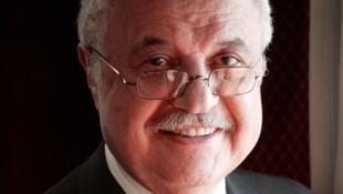 الدكتور طلال أبو غزالة رجل
