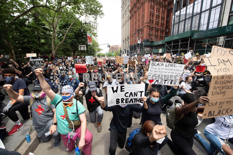 استمرار المظاهرات احتجاجا على مقتل جورج فلويد في مدينة نيويورك يوم 2 يونيو 2020