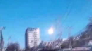 كتلة نار ظاهرة في الصورة فوق سماء تايلاند الإثنين في 07 سبتمبر 2015