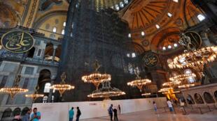 من داخل موقع آيا صوفيا في اسطنبول