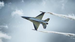 طائرة مقاتلة أف 16