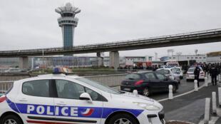 تعزيزات أمنية مشددة في محيط مطار أورلي