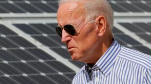 بايدن في حقل للطاقة الشمسية في نيو هامشاير بالولايات المتحدة