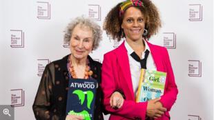 الكندية مارغريت آتوود والنيجيرية برناردين إيفاريستو تفوزان معا بجائزة بوكر -