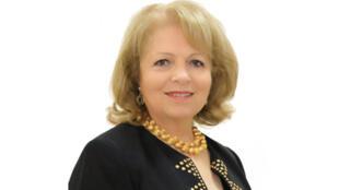 الدكتورة سلوى الخليل الأمين، شاعرة وكاتبة لبنانية