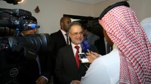 وزيرة خارجية اليمن عبد الملك المخلافي يرد على أسئلة الصحافيين، الكويت 17-05-2016