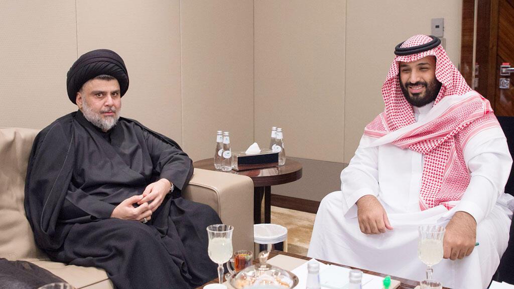 ولي العهد السعودي الأمير محمد بن سلمان يلتقى بالزعيم الشيعي العراقي مقتدى الصدر في جدة يوم 30 تموز 2017