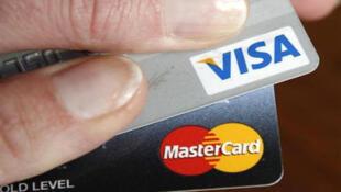 روسيا ممنوعة من استخدام بطاقات فيزا وماستر كارد (الصورة من رويترز)