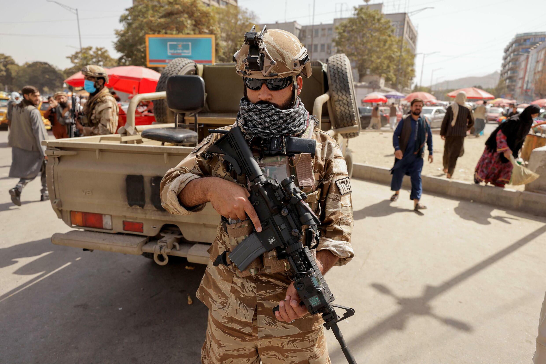 عنصر من طالبان