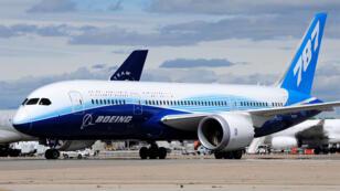 """طائرة """"بوينغ دريملاينر 787 """""""