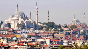 مدينة اسطنبول حيث تقيم عبير العنزي