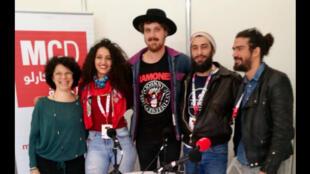 مع أعضاء فرقة Bab L'Bluz