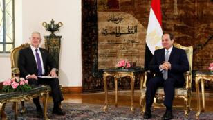 لقاء الرئيس  عبد الفتاح السيسي مع وزير الدفاع الأمريكي جيمس ماتيس في 20-04-2017