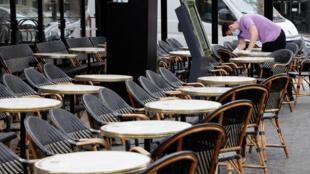 شارع الشانزيليزيه بباريس