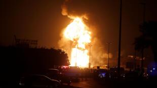 حريق في خط أنابيب للنفط في البحرين 11-11-2017