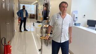 2021-07-16T152323Z_1549896139_RC2RLO97TWM7_RTRMADP_3_BRAZIL-BOLSONARO-HOSPITAL
