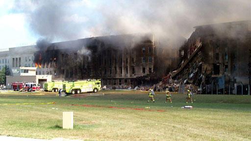 ارتطام طائرة البوينغ بمبنى البنتاغون في 11 أيلول 2001