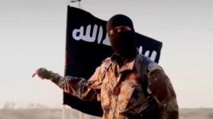 """جهادي من تنظيم """" الدولة الإسلامية"""""""