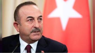 مولود جاويش أوغلو وزير الخارجية التركي خلال مؤتمر صحفي في موسكو يوم 13 يناير كانون الثاني 2020.