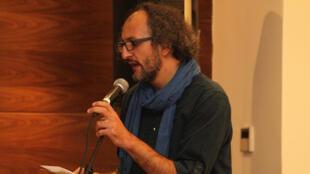 الشاعر ياسر خنجر