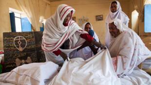 من حملة توعية ضد ختان الإناث في السودان أطلقتها العملية المشتركة للاتحاد الأفريقي والأمم المتحدة في دارفور
