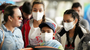 famille_virginia_airport_masks_coronavirus
