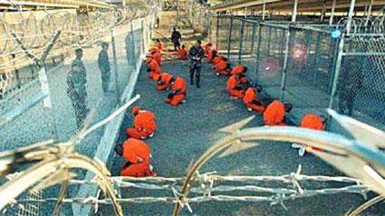 سجناء داخل غوانتانامو