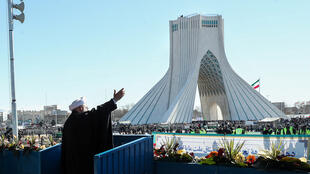 حسن روحاني يخطب وسط طهران