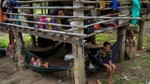 2021-04-29T204152Z_111523586_RC2W5N9T2RKM_RTRMADP_3_MYANMAR-POLITICS-THAILAND-BORDER