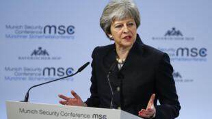 رئيسة الوزراء البريطانية تيريزا ماي في مؤتمر الأمن بميونيخ، ألمانيا / رويترز 17 شباط - فبراير 2018