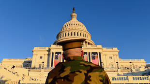 أمام مبنى الكونغرس في واشنطن