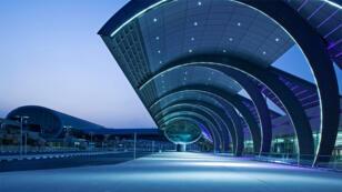 مطارات دبي الدولية