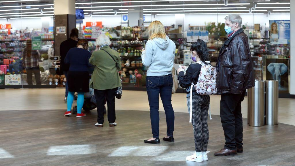 GERMANY-MASKED-SHOPPERS