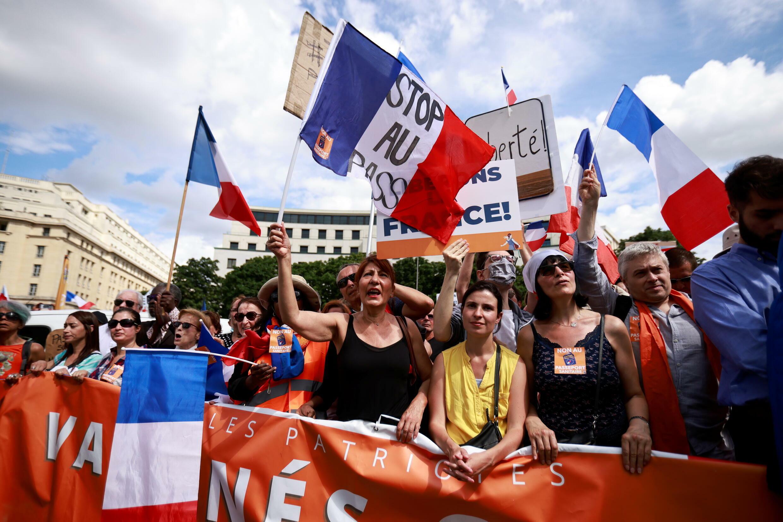 2021-07-31T175422Z_1089974078_RC2QVO9FUGUW_RTRMADP_3_HEALTH-CORONAVIRUS-FRANCE-PROTEST