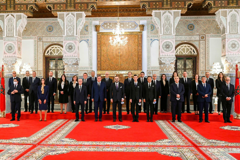 صورة للحكومة المغربية مع الملك محمد السادس