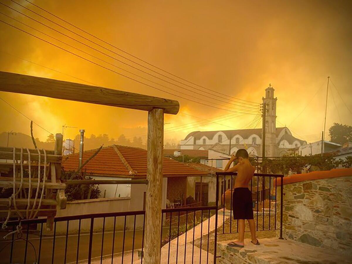 حرائق غابات في قبرص