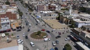 مدينة مساكن التونسية التي ينحدر منها الشاب الذي قتل الشرطية الفرنسية