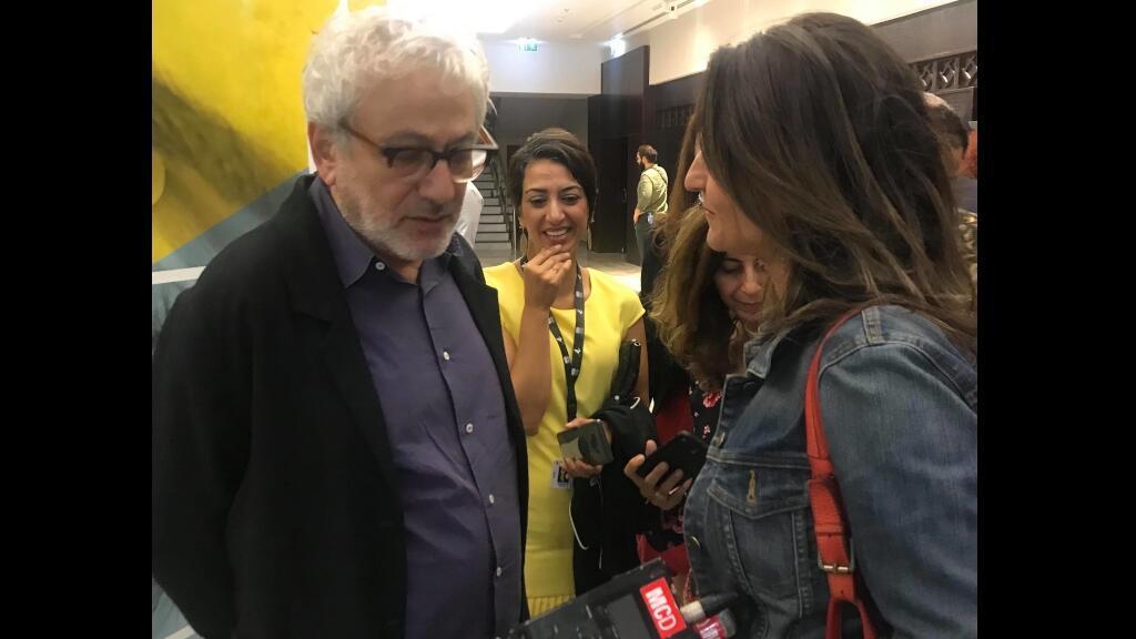 المخرج ايليا سليمان مع مراسلة مونت كارلو الدولية شروق أسعد
