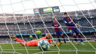 ميسي يسجّل هدفا في شباك إيبار في دوري الدرجة الأولى الإسباني لكرة القدم
