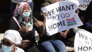 من احتجاج لعاملات أجنبيات في لبنان