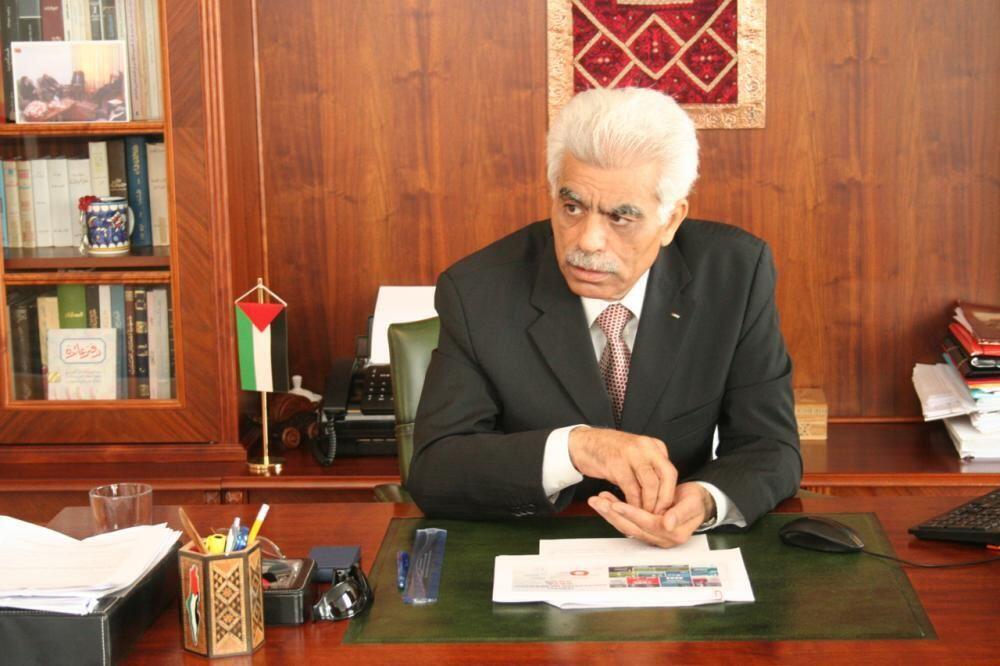 الشاعر والدبلوماسي الفلسطيني عبد الرحمن بسيسو