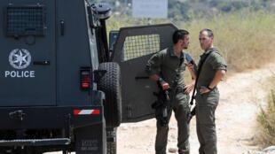 عنصران من الشرطة الاسرائيلية