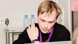 الصحفي ايفان غولونوف المتهم بمحاولة تهريب كمية كبيرة من المخدرات