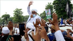 رجل الدين الإسلامي الإندونيسي رزيق شهاب