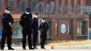 الشرطة الصينية في مدينة ووهان