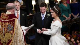 زفاف الأميرة يوجيني حفيدة الملكة إليزابيث في كنيسة سانت جورج في وندسور