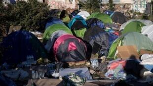 مخيم في أوبرفيلييه