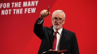 جيريمي كوربن زعيم حزب العمال البريطاني